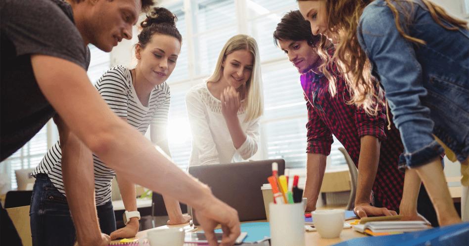 Brainstorming: o que é e como fazer uma tempestade de ideias?